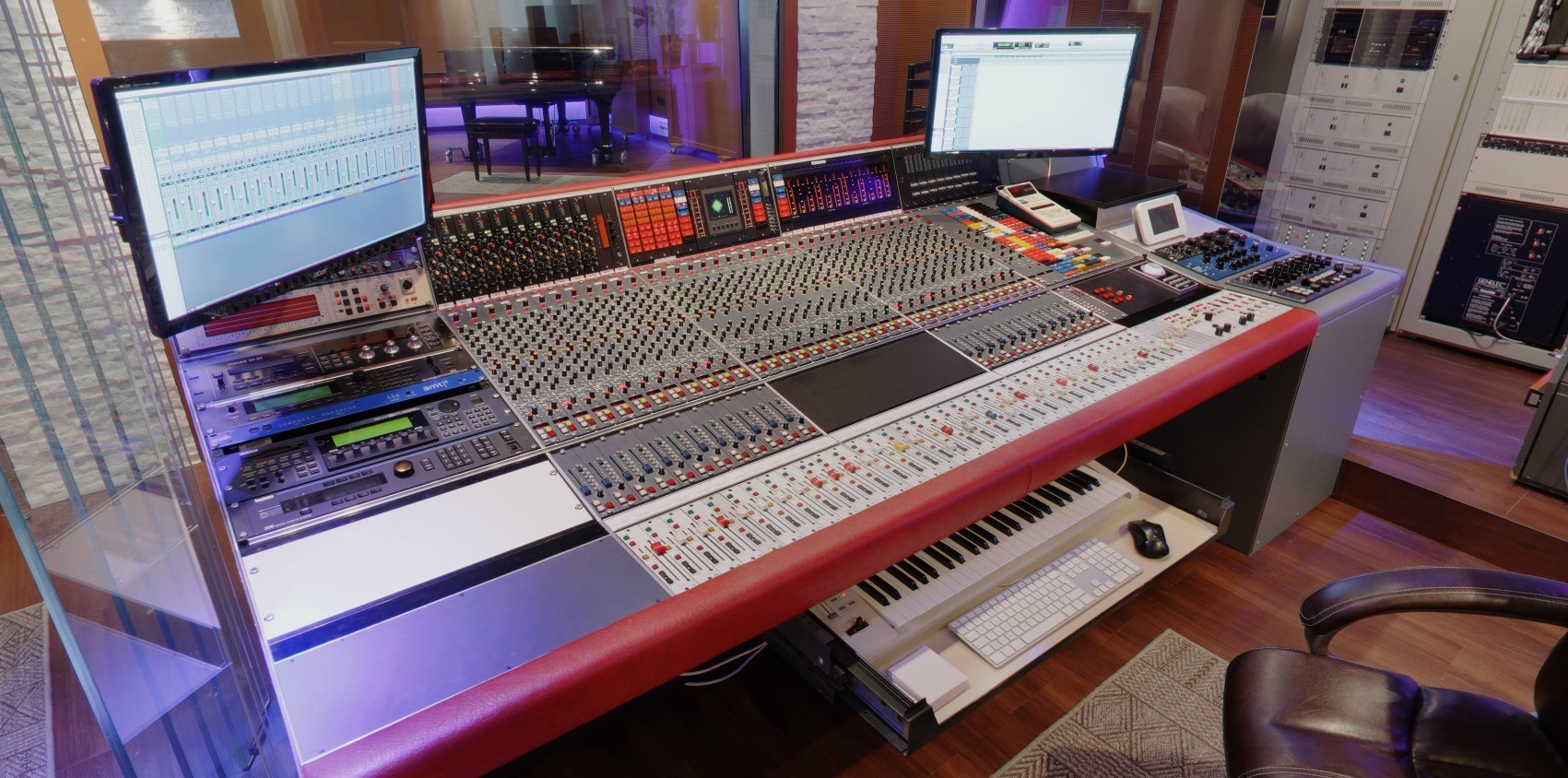 Tonstudio Tirol - Musikproduktion Österreich - Aktiv Sound Records - Neve V66 - Manley Mastering - Neumann Mikrofon Tirol - Brauner - AKG Österreich