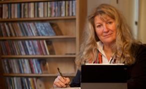 Martina-Schmiderer-Verlag-a&r-music-licensing-tirol-volksmusik-lizensieren-für-film-video-Tina-Schmiderer-Aktiv-Sound-Records-ASR